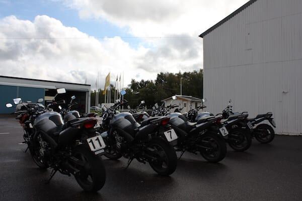 Bild på motorcyklarna som används vid risktvåan mc även kallad riskutbildning del 2